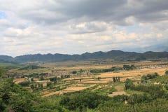 沿baihe美丽的北京峡谷村庄 免版税库存照片