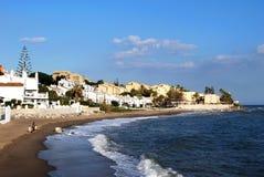 沿Calahonda海滩,西班牙的看法 图库摄影