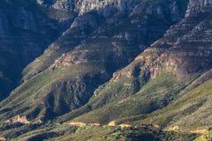 沿Chapmans峰顶的沿海mountais驱动,开普敦 库存图片