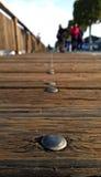 沿pierat日落的步行 免版税库存图片