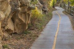 沿Poudre河的自行车道路 免版税图库摄影