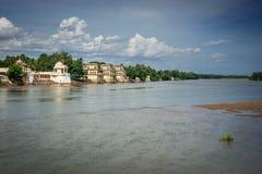 沿Vennar河的寺庙 免版税库存照片