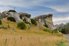 沿Weka通行证的青蛙岩石在新西兰 免版税库存图片