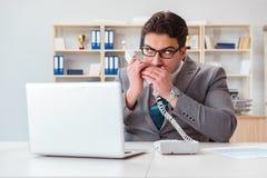 泄漏在电话的商人机密资料 免版税库存照片