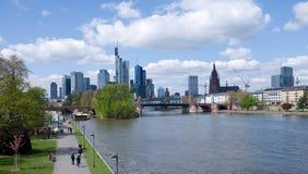 法兰克福上午缅因都市风景 免版税库存图片
