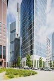法兰克福有它的摩天大楼的银行业务区 免版税库存图片