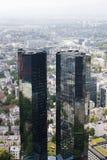 法兰克福有它的摩天大楼的银行业务区 库存照片
