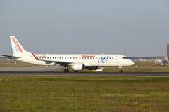 法兰克福机场-巴西航空工业公司AirEuropa ERJ-195离开 免版税图库摄影
