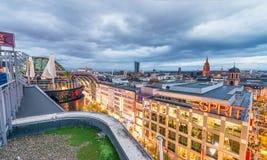 法兰克福,德国- 2013年10月31日:城市skyli鸟瞰图  免版税库存图片