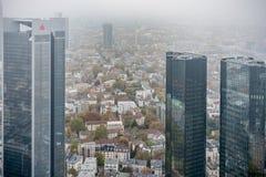 法兰克福,德国- 2012年10月25日:法兰克福企业都市风景 摩天大楼 库存照片
