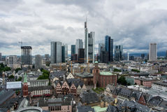 法兰克福,德国- 2017年6月4日:法兰克福财政区的全景  库存照片