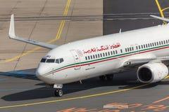 法兰克福,黑森/德国- 25 06 18 :摩洛哥皇家航空公司飞机在法兰克福国际机场德国 免版税图库摄影