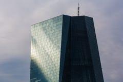 法兰克福,黑森/德国- 11 10 18 :欧洲央行大厦在法兰克福德国 库存图片