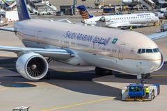 法兰克福,黑森/德国- 25 06 18 :沙特阿拉伯飞机在法兰克福国际机场德国 免版税库存照片