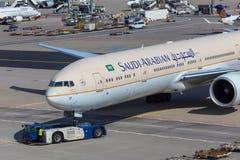 法兰克福,黑森/德国- 25 06 18 :沙特阿拉伯飞机在法兰克福国际机场德国 免版税库存图片