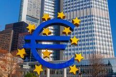 法兰克福 雕刻的构成欧元 免版税库存照片