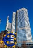 法兰克福 雕刻的构成欧元 免版税库存图片
