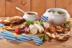 巴法力亚小牛肉香肠早餐 免版税库存图片
