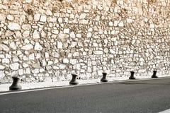法国中世纪新的路墙壁 库存照片