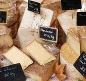 法国乳酪待售 库存图片