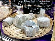 法国乳酪-山羊乳干酪 库存图片