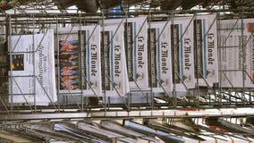 法国人关于王牌金山顶新加坡的世界报报纸 股票录像