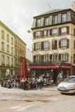 法国咖啡馆大阳台在法国城市 图库摄影