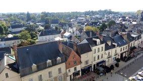 法国城镇 在视图之上 房子屋顶和门面中世纪样式的 图库摄影