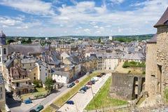法国安置老轿车城镇视图 免版税图库摄影