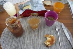 法国您为一个好开始需要在哀悼的早餐和一切 库存图片