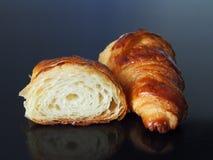 法国新月形面包 免版税库存图片