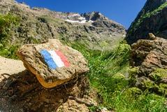 法国旗子在阿尔卑斯,法国 免版税库存图片