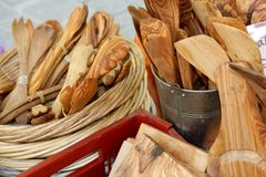法国橄榄色的木市场摊位 库存照片