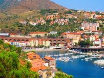 法国沿海港口在夏天 免版税库存照片