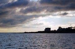 法国海岸在晚上 免版税库存图片