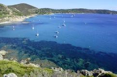 法国海滨海滩,在向圣特罗佩附近 免版税库存图片