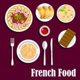 法国烹调食物用新月形面包和巧克力 免版税库存图片