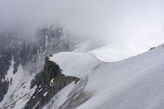 法国的阿尔卑斯 南针峰的雪土坎 免版税库存图片