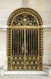 法国给金黄凡尔赛装门 库存照片