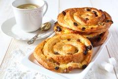 法国葡萄干小圆面包 免版税库存图片