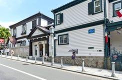 法国议院的经典大厦为公众现在打开了作为博物馆在历史的外国住宅区在Kitano区,神户 免版税库存照片