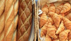 法国长方形宝石和新月形面包面包 图库摄影