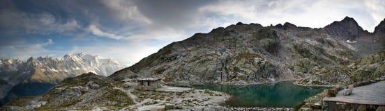 法国阿尔卑斯全景  免版税库存图片
