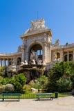 法国马赛 落下喷泉并且雕刻在Longchamp宫殿的门面的中部  库存照片