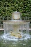 法国,一个喷泉在凡尔赛宫公园 免版税库存图片