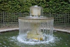 法国,一个喷泉在凡尔赛宫公园 免版税图库摄影