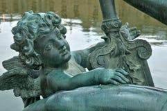 法国,一个喷泉在凡尔赛宫公园 图库摄影