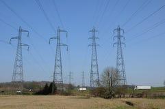 法国,一条电线路在Val d瓦兹省 免版税库存图片