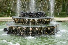 法国,三个喷泉树丛在凡尔赛宫公园 免版税库存图片
