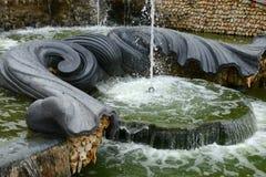 法国,三个喷泉树丛在凡尔赛宫公园 库存照片